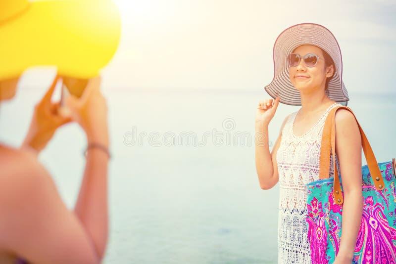 Fiert? et le LGBTQ+ sur la plage d'?t? photographie stock libre de droits