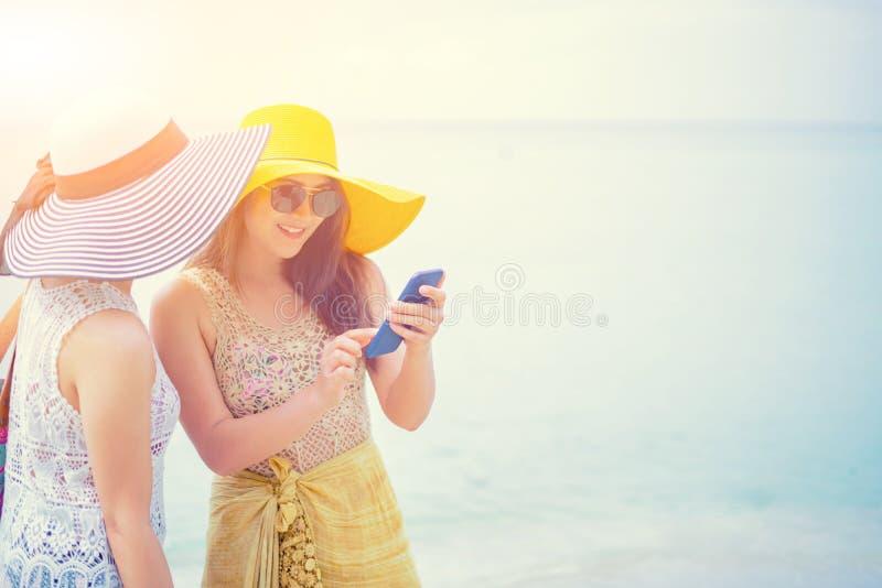 Fiert? et le LGBTQ+ sur la plage d'?t? images stock