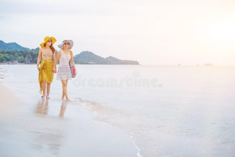 Fiert? et le LGBTQ+ sur la plage d'?t? image stock