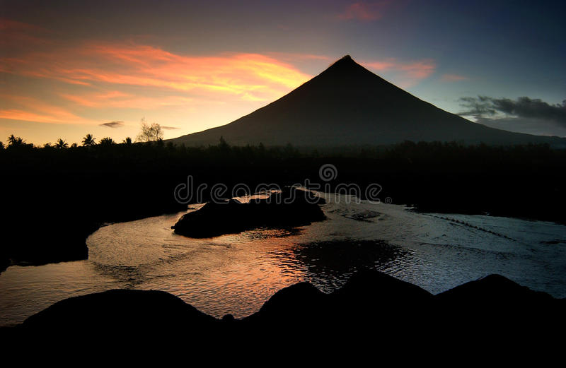 Fiery Mayon Volcano royalty free stock images