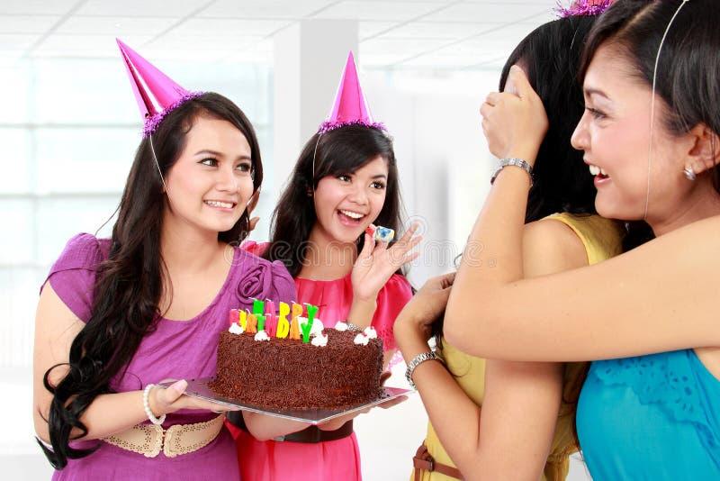 Fiesta de cumpleaños de la sorpresa fotos de archivo libres de regalías