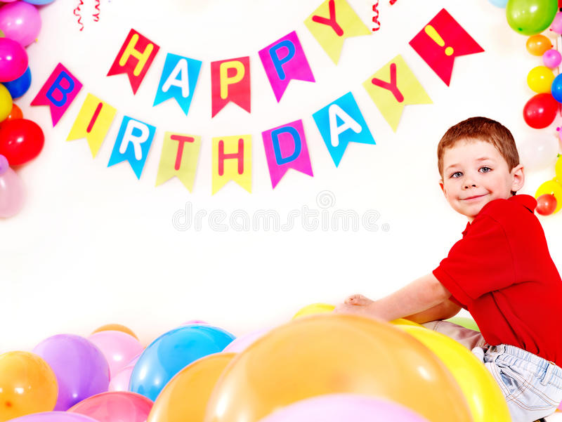 Fiesta de cumpleaños del niño con el muchacho. fotografía de archivo
