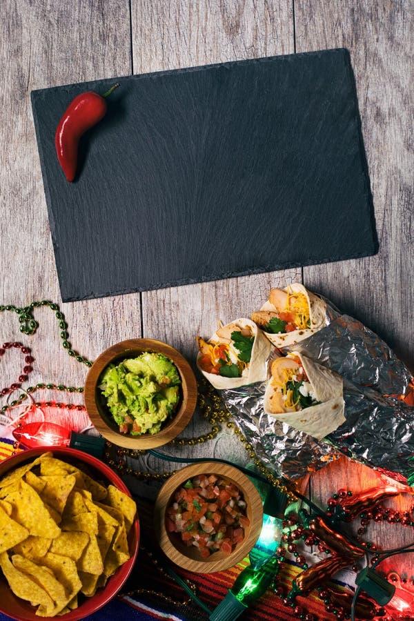 Fiesta: De Peper van Chili naast Lege Lei voor Mexicaanse Partij