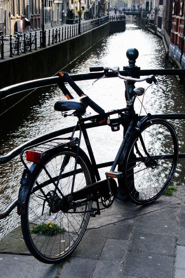 Fiets in Amsterdam, Holland royalty-vrije stock foto