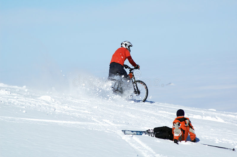 Fietser en skiër royalty-vrije stock foto's