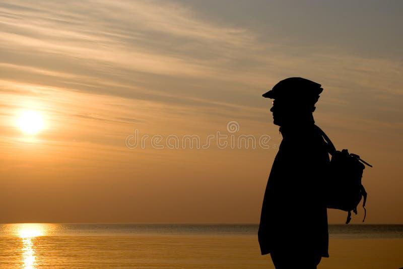 Fietser op een strand. stock foto's