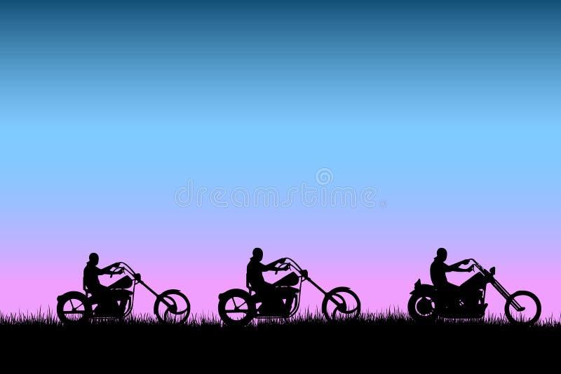Fietsers die bij zonsondergang op de weg drijven royalty-vrije illustratie