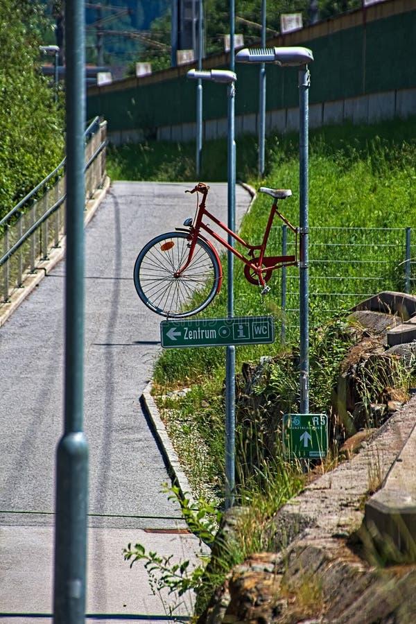 Fietsweg in Oostenrijk royalty-vrije stock foto