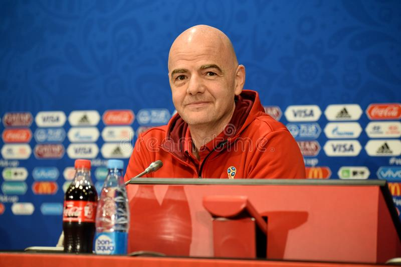 FIFA President Gianni Infantino bij een persconferentie in Moskou stock foto