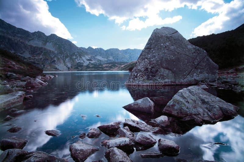 Fife在Tatra山的湖谷 免版税库存照片