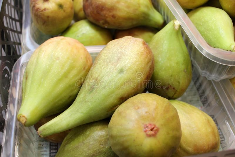 FIG. Зрелые смоквы Органические плоды стоковое изображение rf