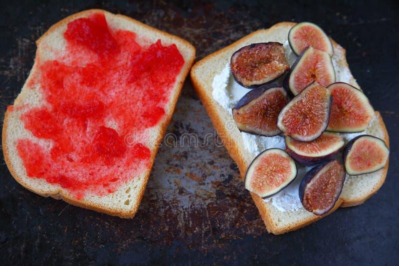Figa, kremowy ser i dżem kanapka, zdjęcia royalty free