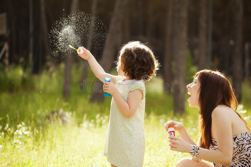 Figlarnie córka i matka fotografia royalty free