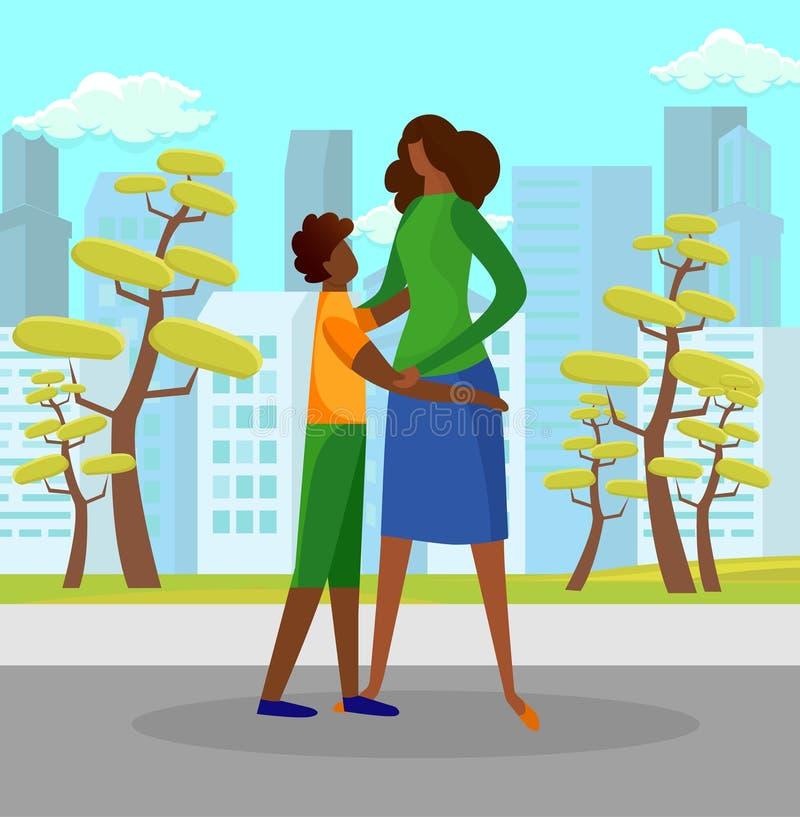 Figlio che abbraccia tenero madre all'aperto in Sunny Day royalty illustrazione gratis