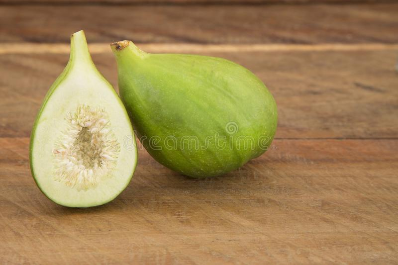 Figo verde orgânico - Ficus Carica imagens de stock