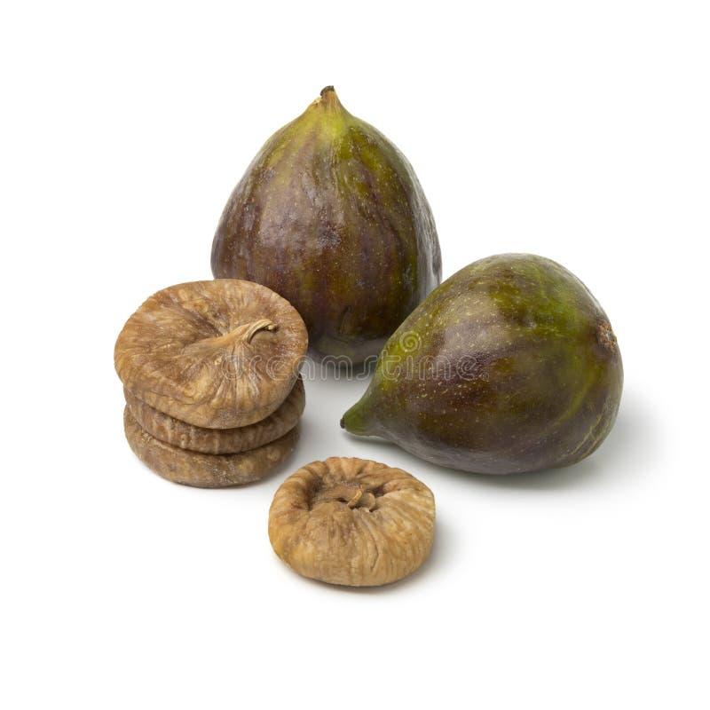 Figos maduros frescos e um montão do secados imagem de stock