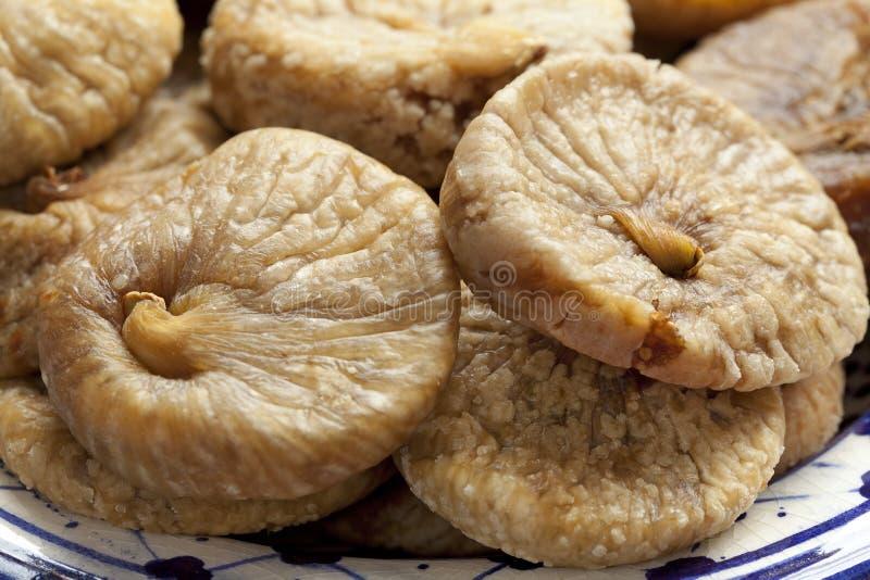 Figos secados em um prato foto de stock