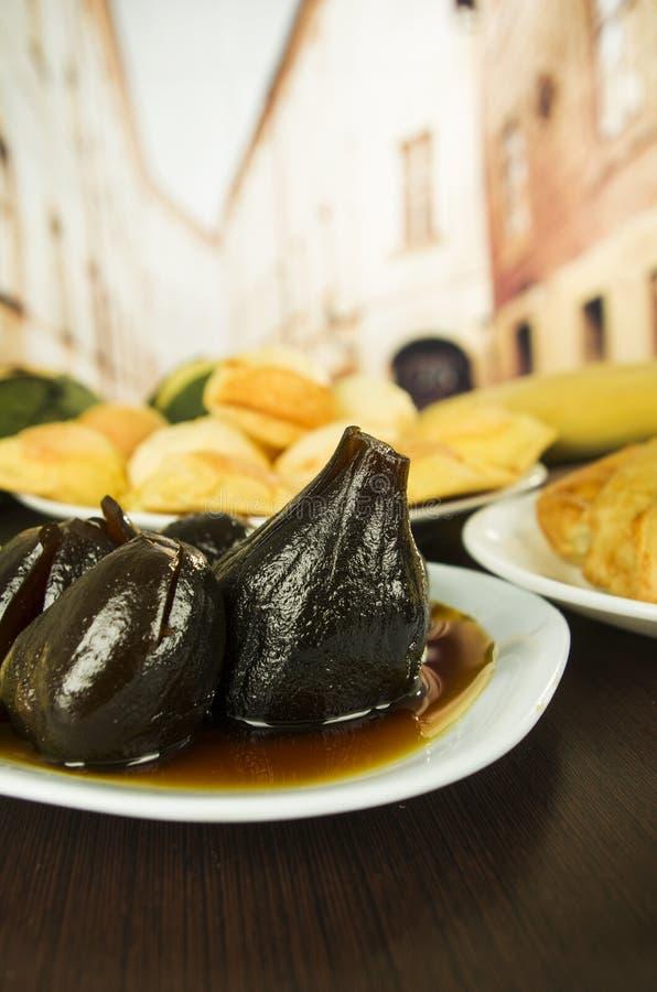 Figues traditionnelles de nourriture d'ecuadorian avec des higos de miel photos libres de droits