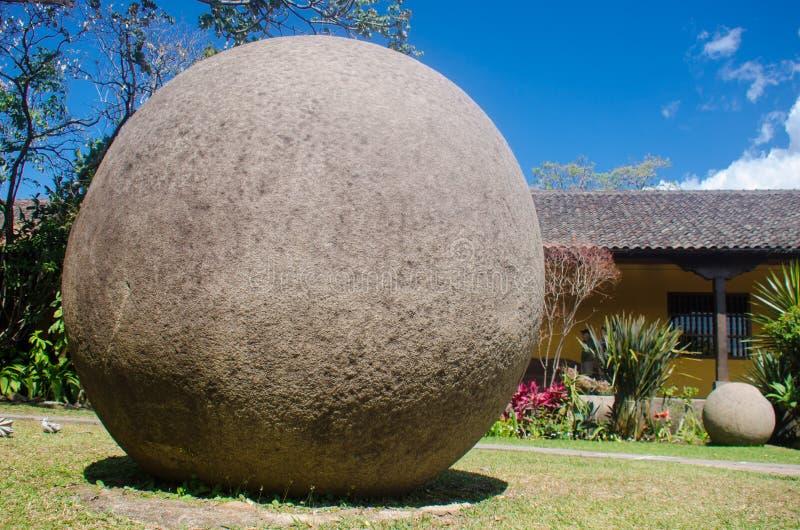Figura antica di Costa Rica con la forma della sfera fotografia stock