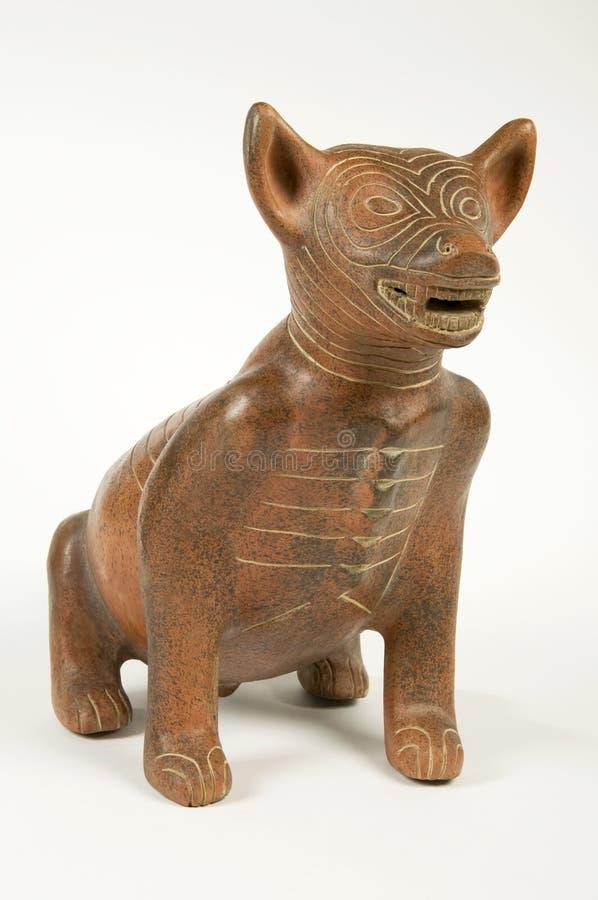 Figura antiga do cão do produto de cerâmica fotos de stock royalty free