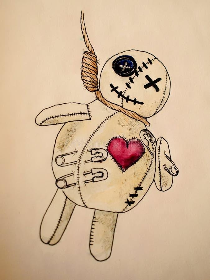 Figura bambola di voodoo che appende sul patibolo con un cuore Dipinto con la penna e l'acquerello fotografie stock libere da diritti