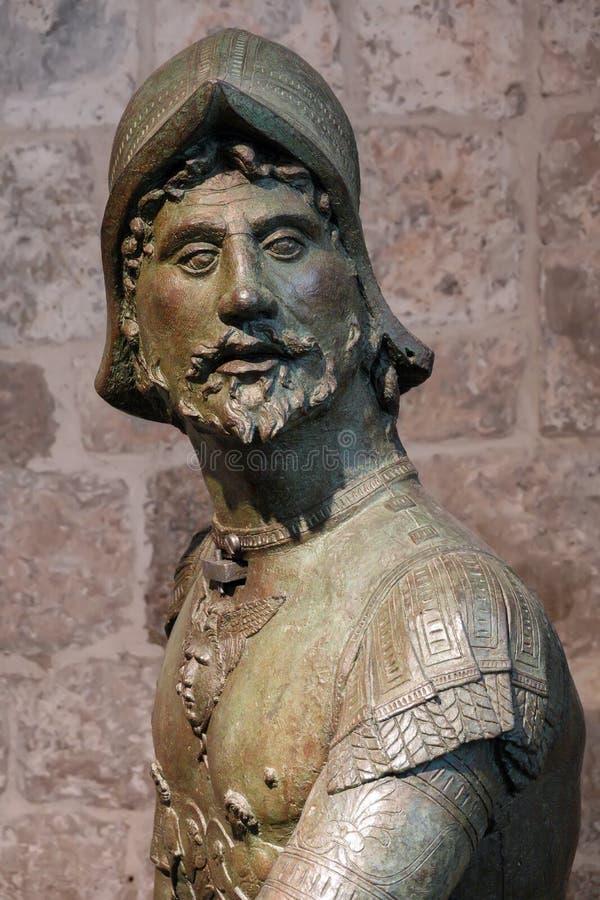 Figura colpente del bronzo della campana della torre di orologio di Ragusa immagini stock libere da diritti