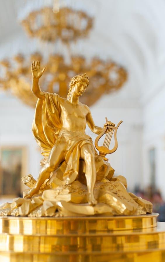 Figura de Apolo de la oficina de caoba hecho por David Roentgen, Herm fotos de archivo