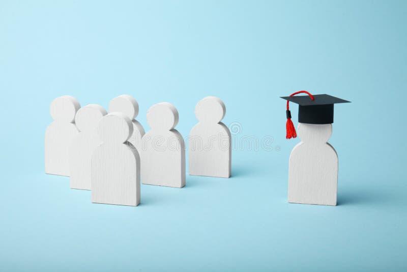 Figura de aprender a gente Concepto de la educaci?n escolar de la universidad y imagenes de archivo