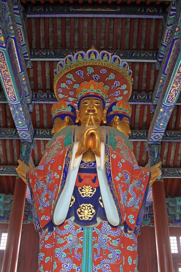 Figura de Buda, styl arquitectónico tradicional chino antiguo fotos de archivo