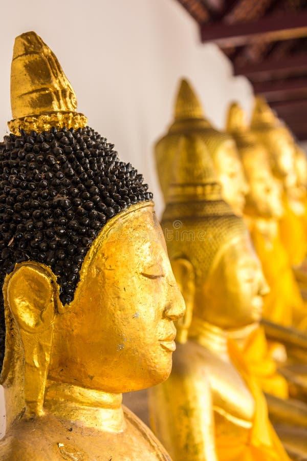 Download Figura De Buddha Que Se Sienta Foto de archivo - Imagen de arte, religioso: 42434060