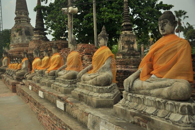 Figura de Buddha que se sienta fotografía de archivo