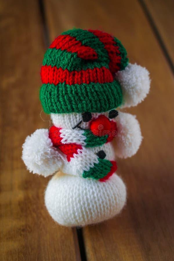 Figura de la decoración del muñeco de nieve del árbol de navidad imagen de archivo libre de regalías