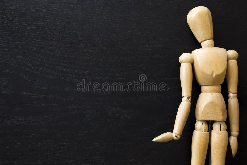 Figura di legno bambola umana di legno di Draw Painting dell'artista del manichino immagini stock libere da diritti