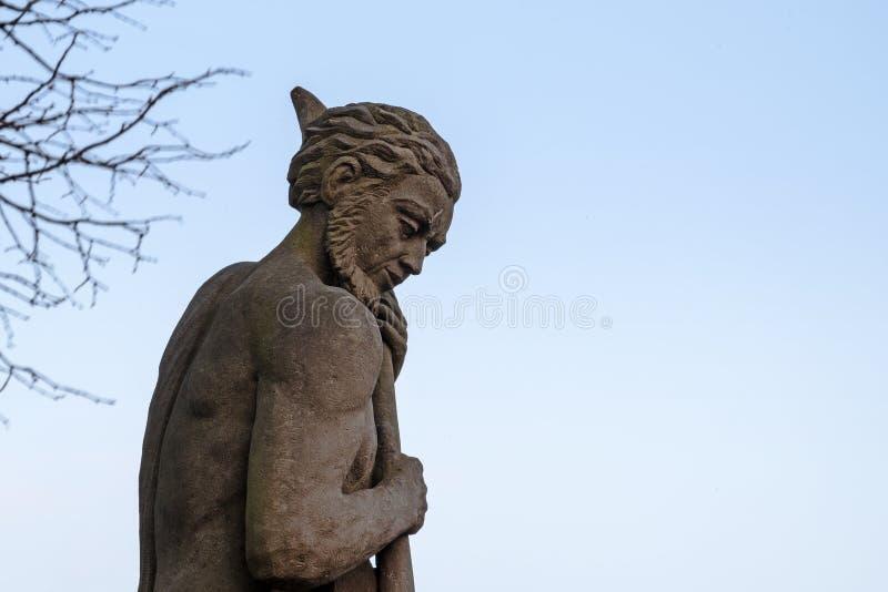 Figura di Nettuno, scultura allegorica da arenaria dai 18 fotografia stock libera da diritti