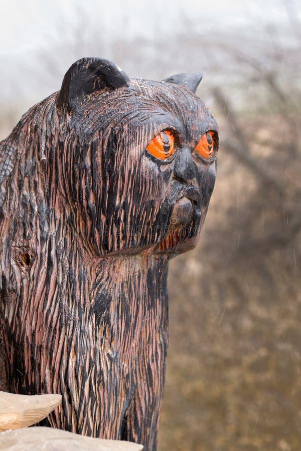 Figura gato preto de madeira fotos de stock royalty free