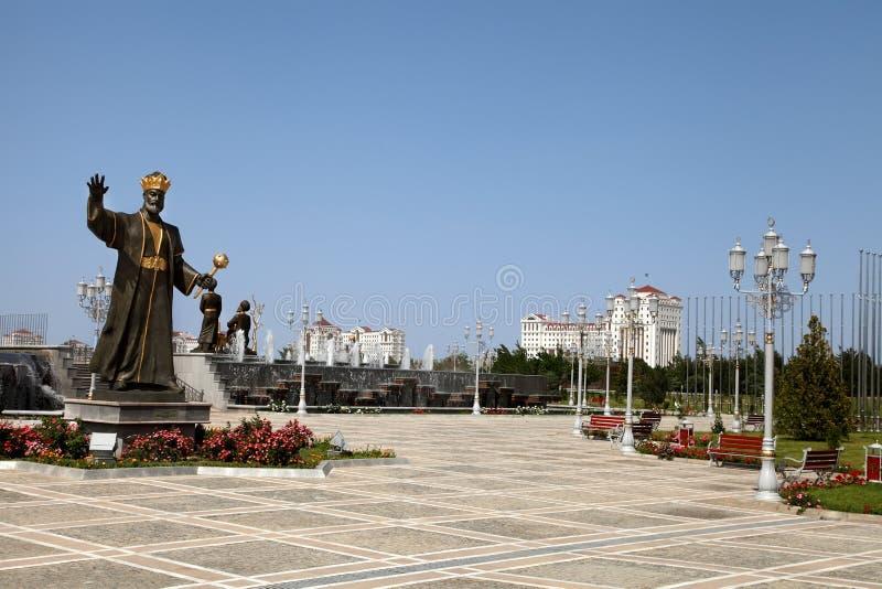 Figura histórica Turkmenistán del monumento. fotos de archivo libres de regalías