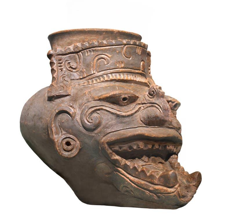 Figura maia antiga do deus do fogo isolada imagem de stock royalty free