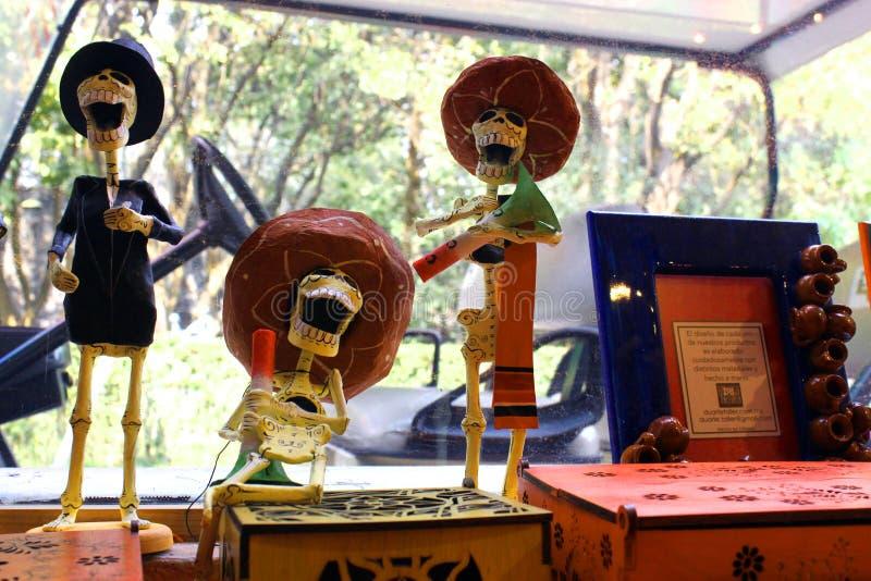 Figura mexicana músicos dos esqueletos, dia de dias de los muertos da morte inoperante fotografia de stock royalty free