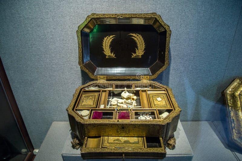 Figura negra cajas de costura del patio de la laca Arte de madera raro hecho en siglo XIX imágenes de archivo libres de regalías