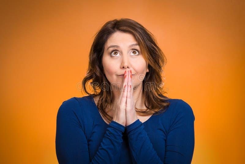 Figura pregare della donna fotografia stock libera da diritti