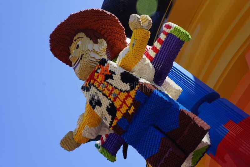 Figuras de Lego do ano claro arborizado e do zumbido de Toy Story fotografia de stock