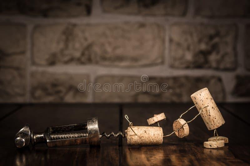 Figuras del corcho del vino, escape del concepto de un sacacorchos fotos de archivo