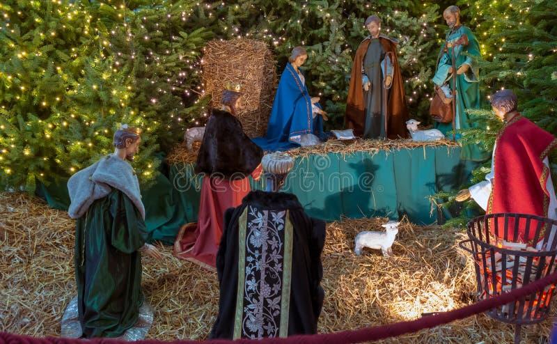 Figuras del objeto expuesto de la escena de la natividad en el santo Bavo Cathedral fotos de archivo libres de regalías
