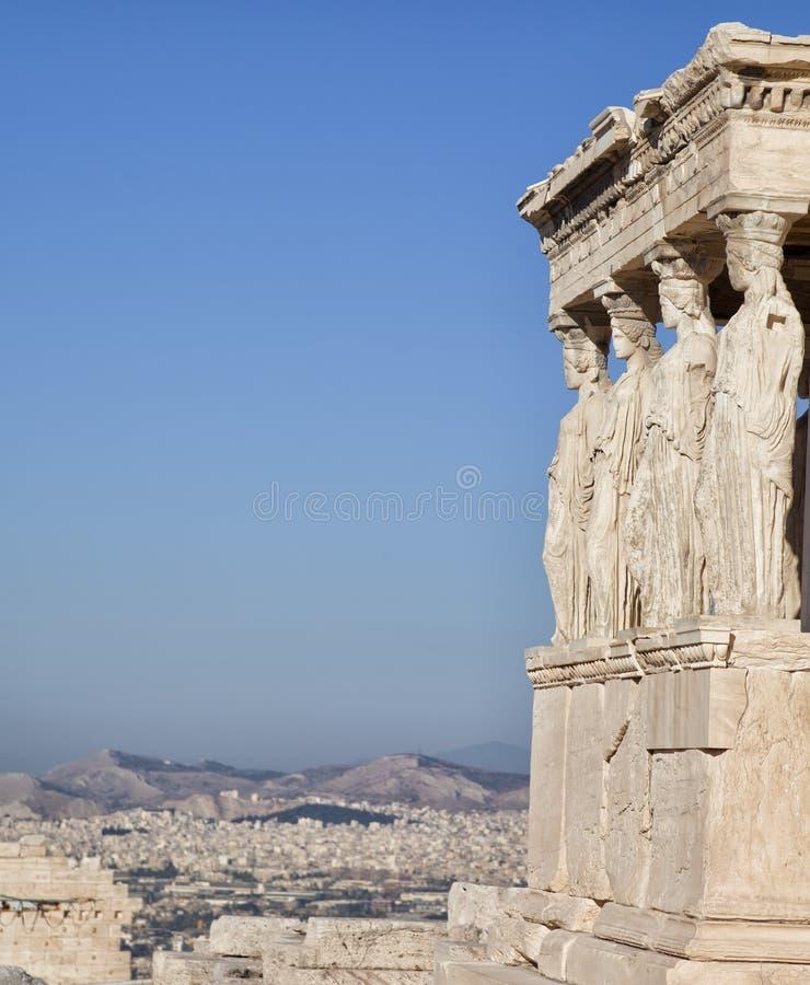 Figuras do patamar da cariátide do Erechtheion na acrópole em Atenas imagem de stock royalty free