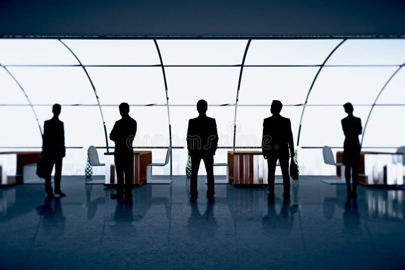 Figuras dos empresários no escritório imagens de stock royalty free