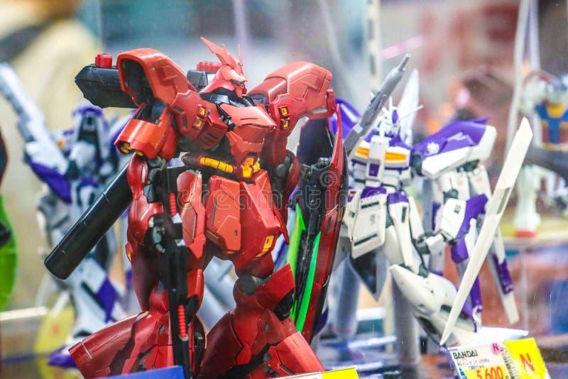 Figuras m?viles del animado del gundam del traje en la tienda de juguete en Jap?n fotos de archivo