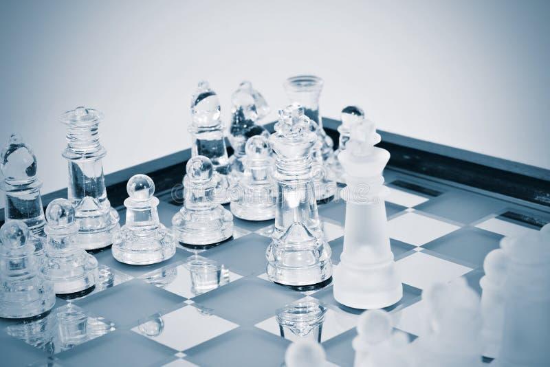 Figure di scacchi in vetro immagini stock libere da diritti