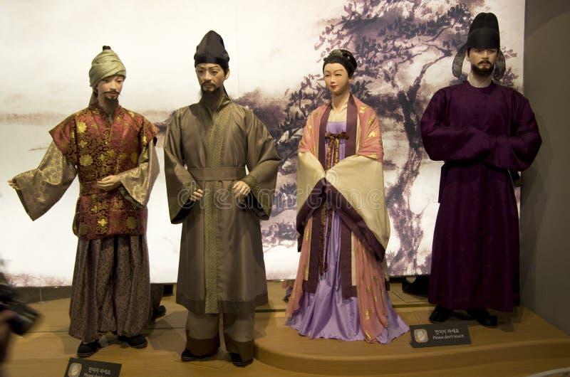 Figure e costumi coreani antichi immagini stock