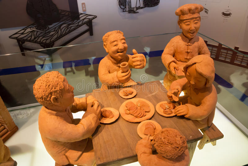 Figurillas de la terracota en el pabellón chino de la expo 2015 imagen de archivo