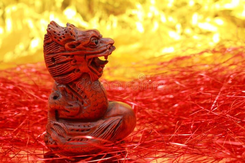 Figurine chinês de madeira do dragão fotografia de stock